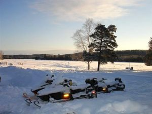 SNOWMOBILEWe are at the hub of many miles of groomed trails, which take you to Dorset, Dwight, Huntsville, Hidden Valley, Port Sydney and beyond!
